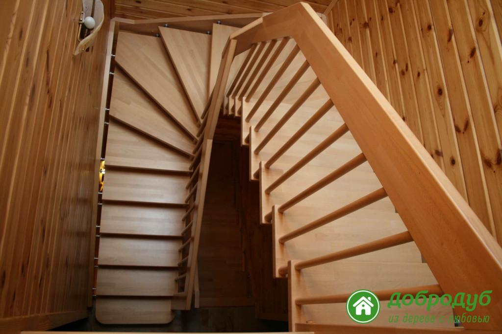 Лестницы на второй этаж с площадкой